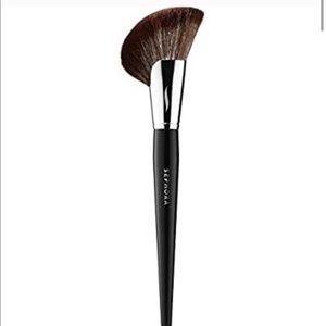 Sephora Pro Demi Fan 72 Brush. Brand New